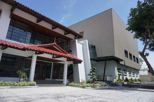 Sages Building